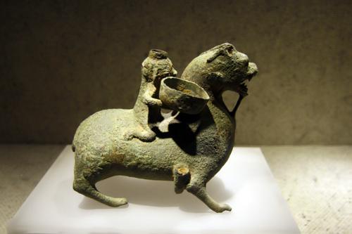 Hình ảnh Bộ sưu tập cổ vật hiếm thấy ở Việt Nam số 15