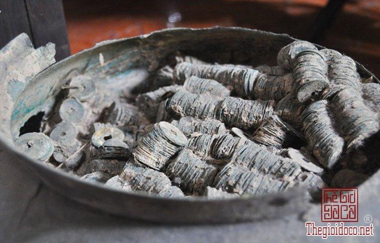 Bo-suu-tap-tien-co-khung-con-nguyen-ven-cua-dai-gia-suu-tap-o-Bac-Ninh (9).jpg