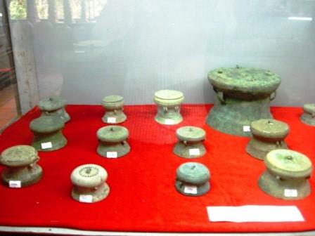 Những chiếc trống đồng biểu mẫu được tìm thấy ở Thanh Hóa.