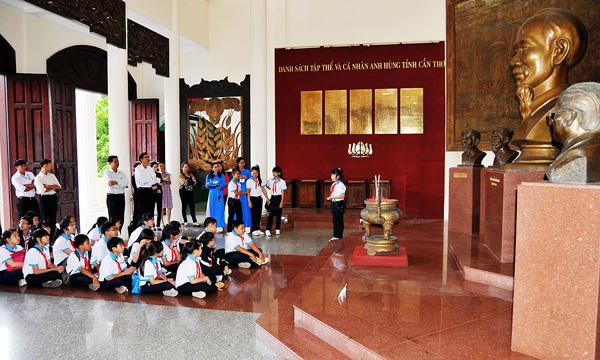 Bảo tàng Thành phố Cần Thơ - nơi học sinh học hỏi và tìm hiểu kiến thức về lịch sử dân tộc